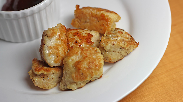 WLS Friendly Chicken Nuggets! No bread - low carb and high protein. Estimated 33 grams of protein per serving and 1 gram of carbs. Find out the secret ingredient! #wlsrecipes #gastricsleeverecipes #gastricbypassrecipes #vsg #rny #ds