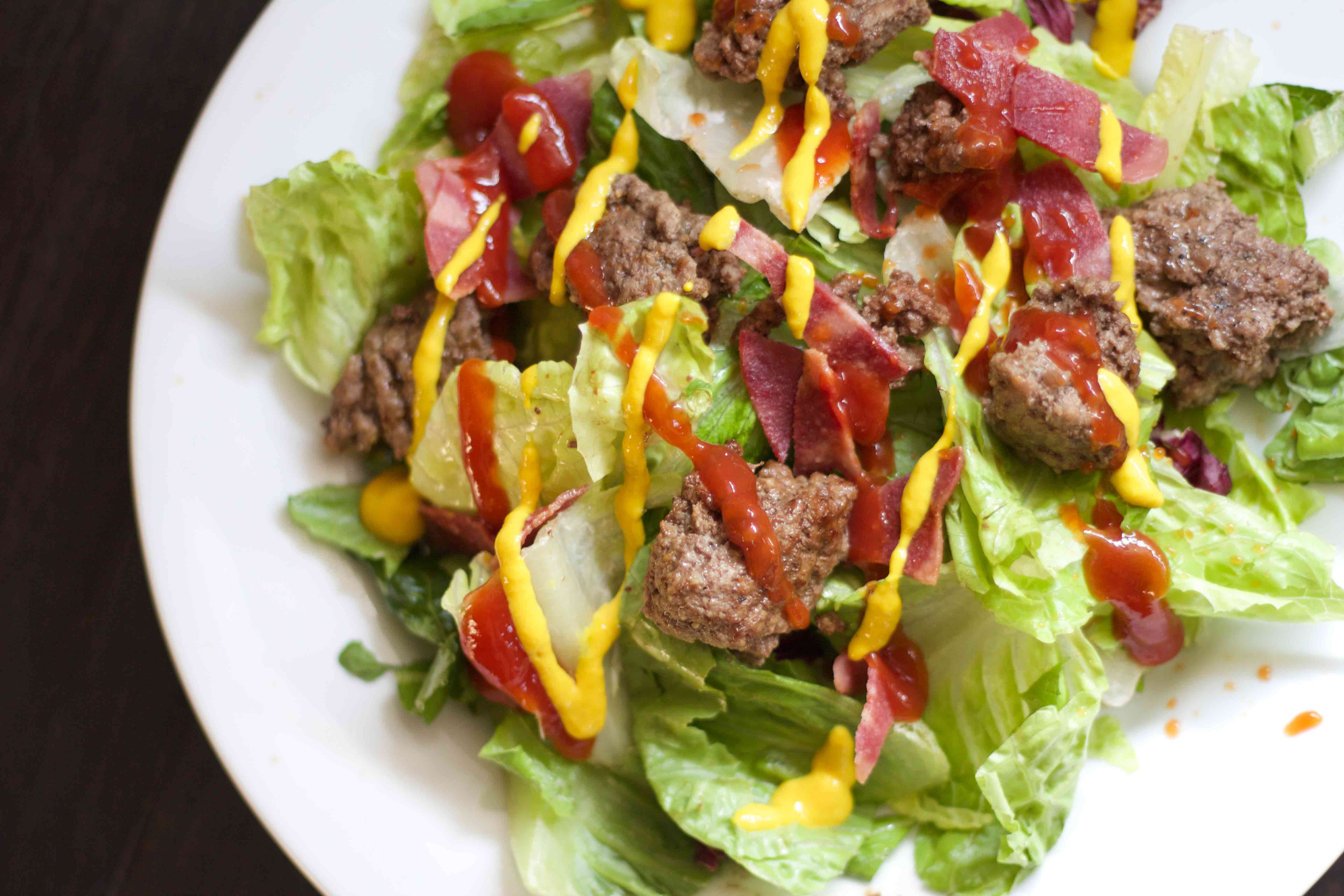 Healthy dinner in a hurry! Hamburger Salad. Low carb and easy recipes at www.foodcoach.me