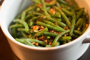 Blue Diamond® Sriracha Almonds with Sautéed Green Beans - WLS Veggie Recipe