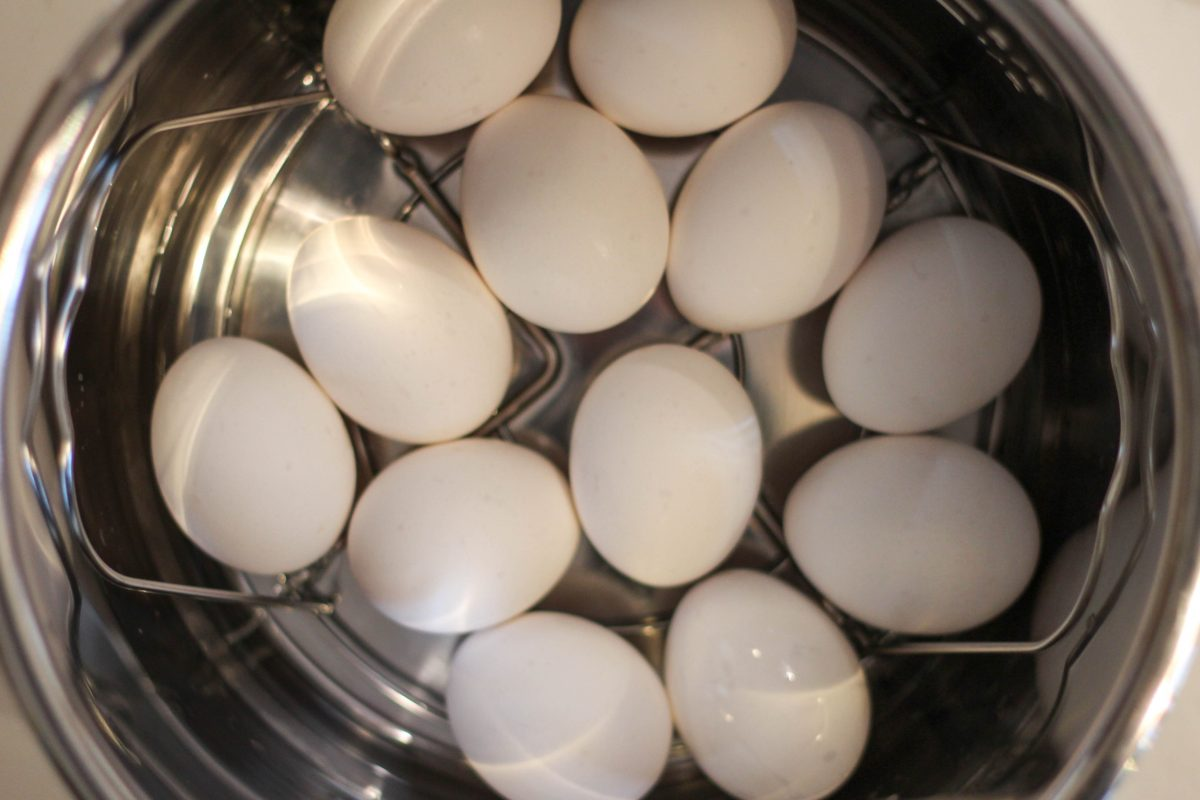 Bariatric friendly snacking - hard boiled eggs in the instant pot! Easy to make and keep protein snacks and breakfast on hand. #weightlosssurgery #gastricsleeve #gastricbypass